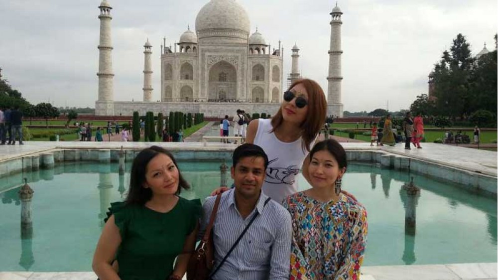 Taj Mahal & Heritage Walk with Tour Guide